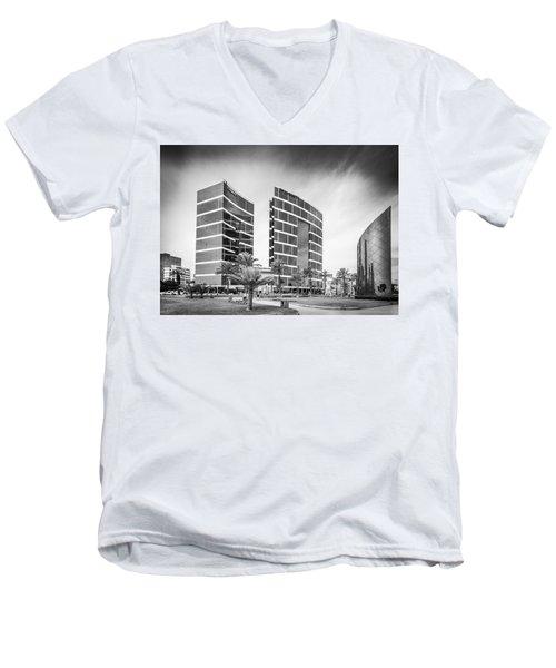 Lima Buildings Men's V-Neck T-Shirt