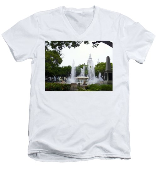 Lions Fountain Wide Men's V-Neck T-Shirt