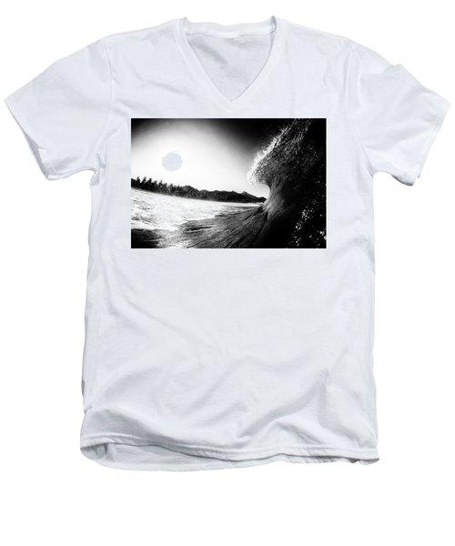 lip Men's V-Neck T-Shirt