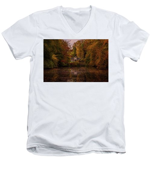 Living Between Autumn Colors Men's V-Neck T-Shirt