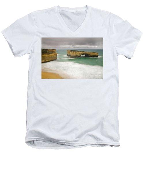 London Bridge 2 Men's V-Neck T-Shirt