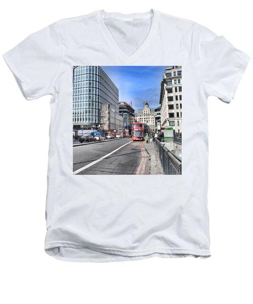 London City Men's V-Neck T-Shirt