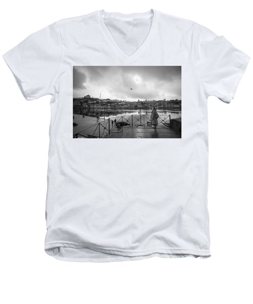 Looking And Passing By Men's V-Neck T-Shirt