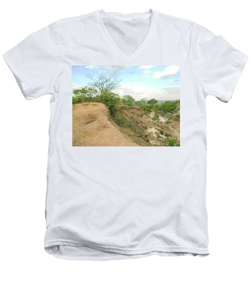 Men's V-Neck T-Shirt featuring the photograph Lovers Forever by Beto Machado