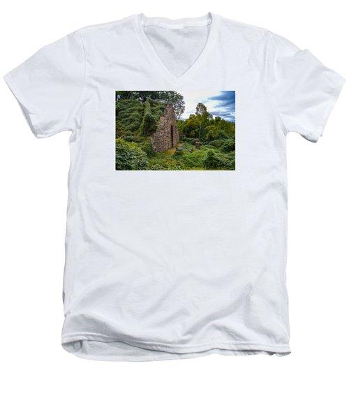 Manchester Climbing Wall Men's V-Neck T-Shirt