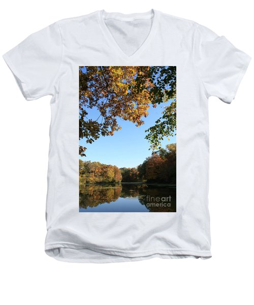 Matthiessen Lake In Autumn Men's V-Neck T-Shirt