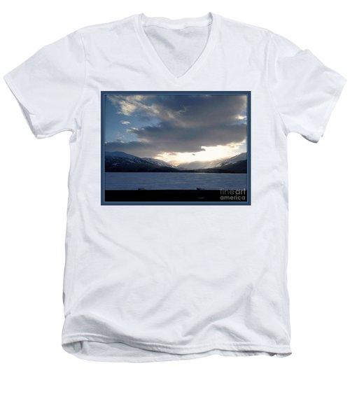 Mckinley Men's V-Neck T-Shirt