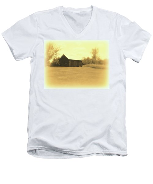 Memories Of Long Ago - Barn Men's V-Neck T-Shirt
