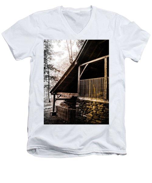 Michie Tavern No. 5 Men's V-Neck T-Shirt