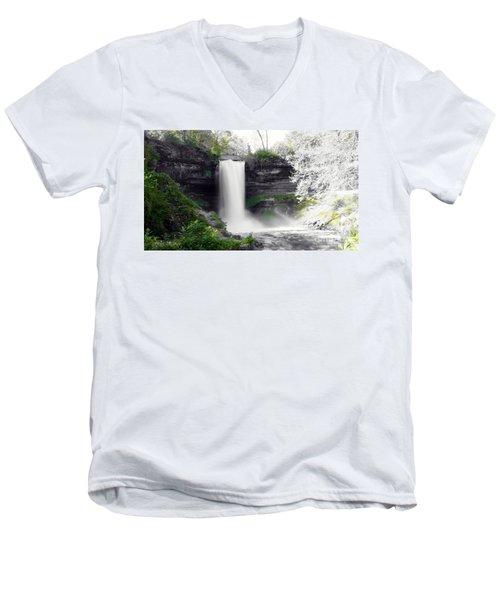 Minne Haha Falls Men's V-Neck T-Shirt