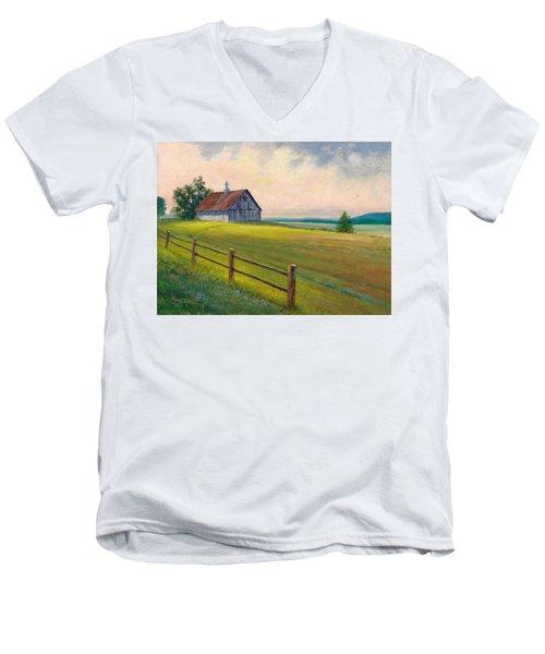 Missouri Barn Men's V-Neck T-Shirt