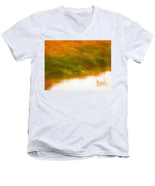 Misty Yellow Hue -lone Jacana Men's V-Neck T-Shirt