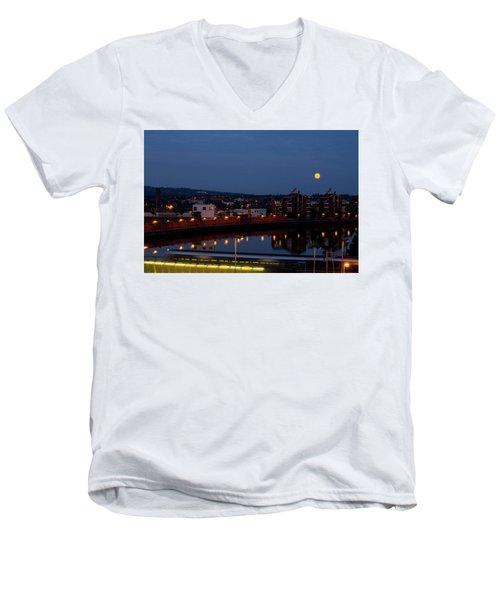 Moonrise In Belfast Men's V-Neck T-Shirt