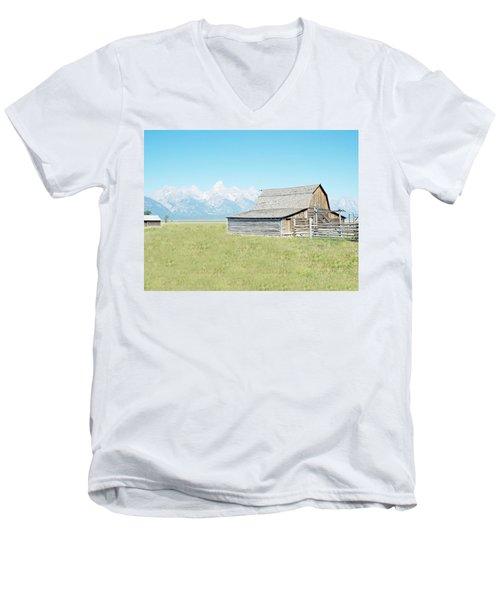 Mormon Row Barn - Grand Tetons Men's V-Neck T-Shirt