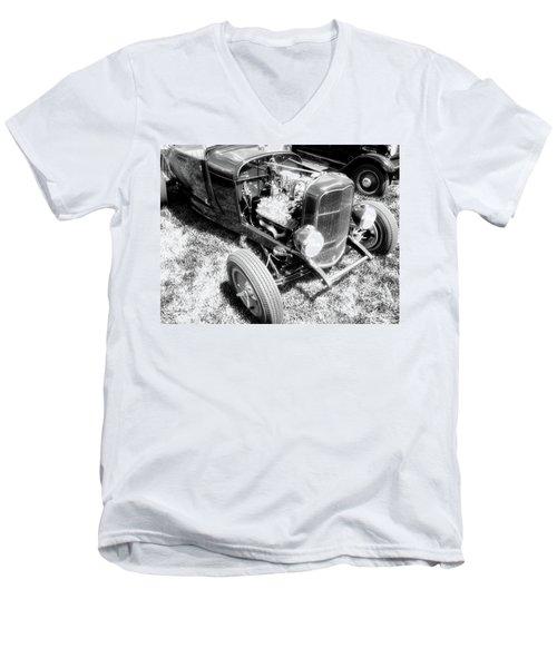 Motor Wheel Bw Men's V-Neck T-Shirt