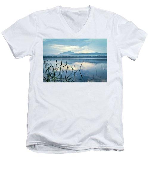 Mount Blue Men's V-Neck T-Shirt