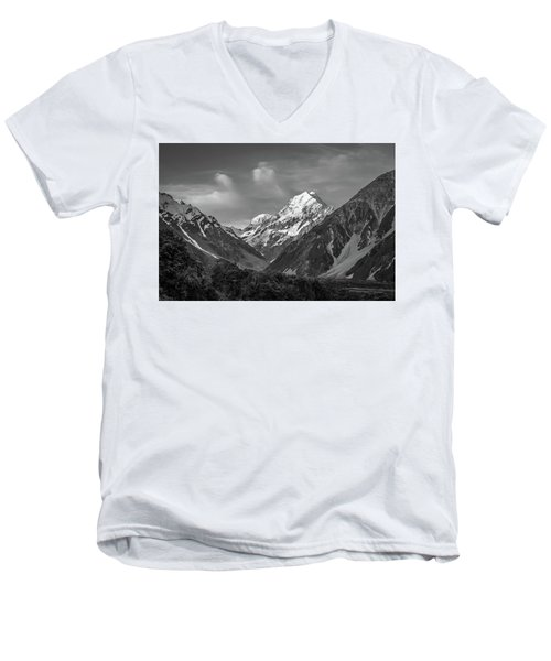 Mt Cook Wilderness Men's V-Neck T-Shirt