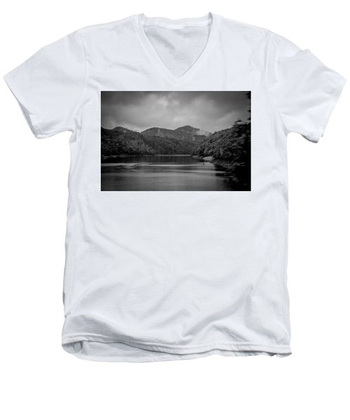 Nantahala River Great Smoky Mountains In Black And White Men's V-Neck T-Shirt