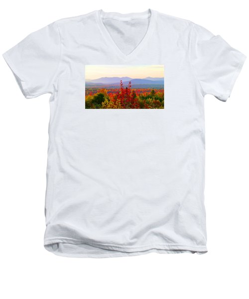 National Scenic Byway Men's V-Neck T-Shirt