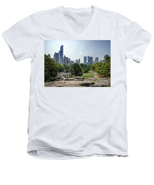 New York Central Park With Skyline Men's V-Neck T-Shirt
