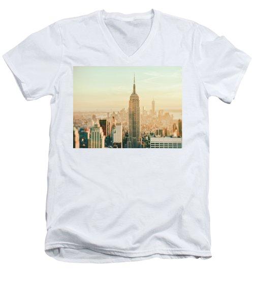New York City - Skyline Dream Men's V-Neck T-Shirt
