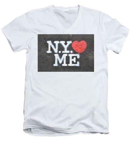 New York Loves Me Stencil Men's V-Neck T-Shirt