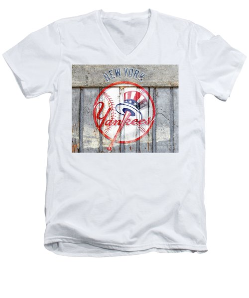 New York Yankees Top Hat Rustic Men's V-Neck T-Shirt