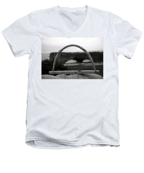 Newfoundland Arches Men's V-Neck T-Shirt