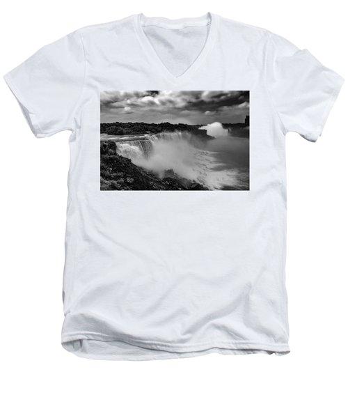 Niagra Falls Men's V-Neck T-Shirt