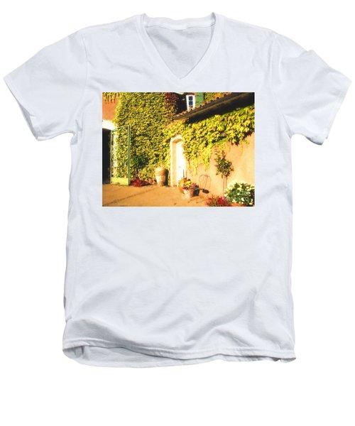 Northern California Winery Men's V-Neck T-Shirt