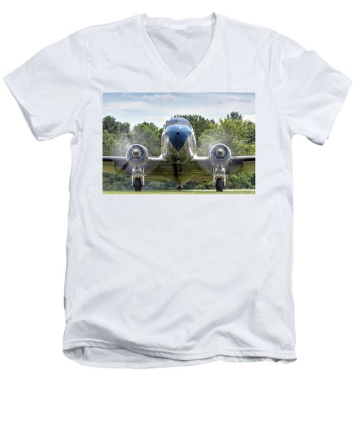 Nose To Nose With A Dc-3 Men's V-Neck T-Shirt