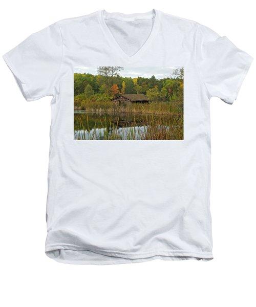 Old Bait Shop On Twin Lake_9626 Men's V-Neck T-Shirt