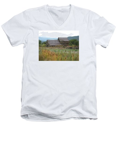 Old Farmhouse Men's V-Neck T-Shirt