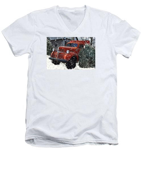 Old Fashion Country Christmas  Men's V-Neck T-Shirt
