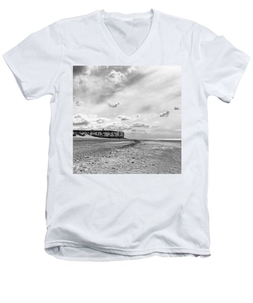 Old Hunstanton Beach, Norfolk Men's V-Neck T-Shirt