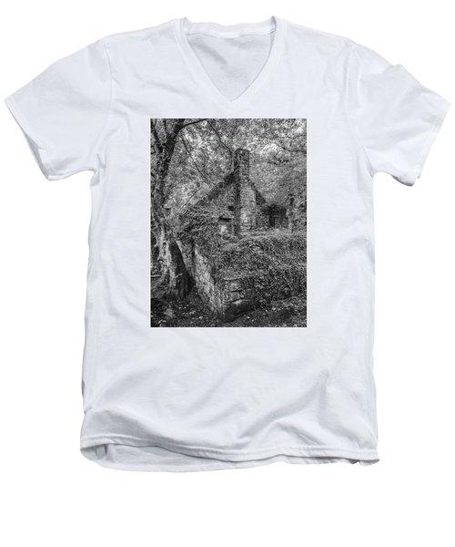 Old Mill Men's V-Neck T-Shirt