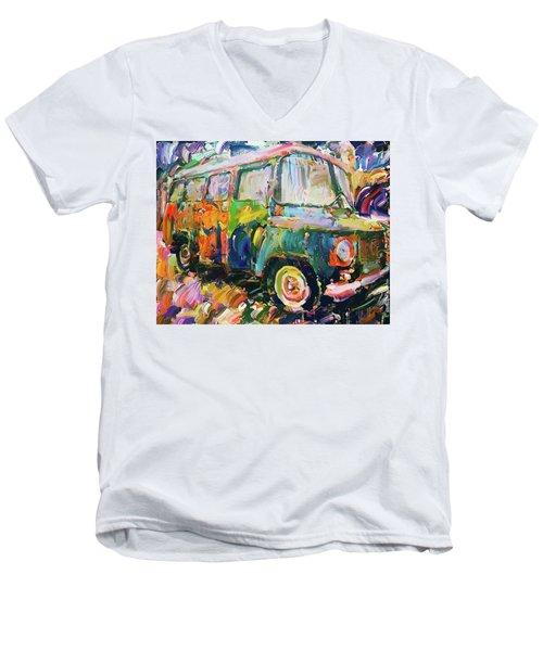 Old Paint Car Men's V-Neck T-Shirt