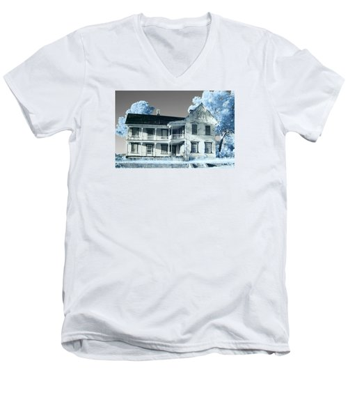 Old Shull House In 642 Men's V-Neck T-Shirt