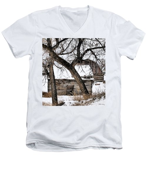 Old Ulm Barn Men's V-Neck T-Shirt