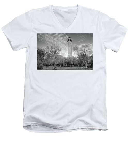 Outer Banks Winter At The Currituck Lighthouse Bw Men's V-Neck T-Shirt by Dan Carmichael