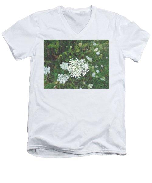 Pale Queen Men's V-Neck T-Shirt