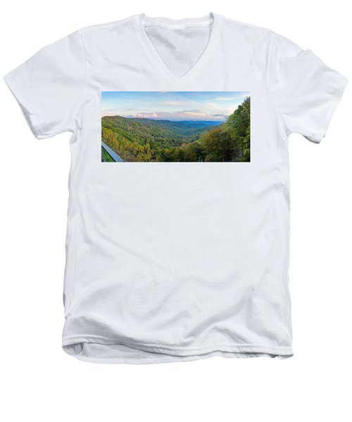 Panoramic October Views Of Smokey Mountain National Park Men's V-Neck T-Shirt
