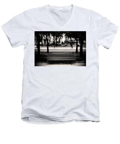 Paris Bench Men's V-Neck T-Shirt