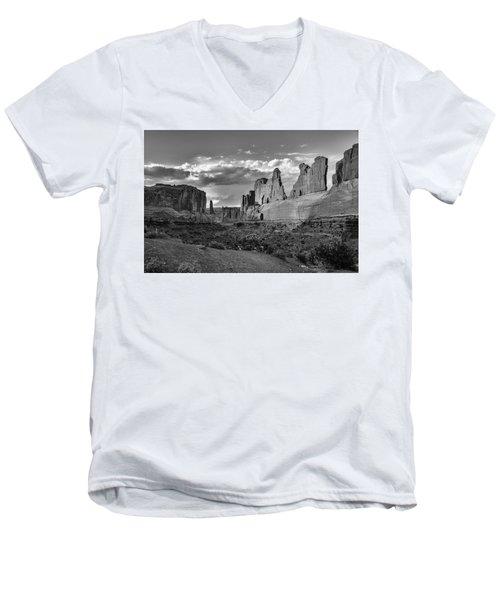 Park Avenue Men's V-Neck T-Shirt