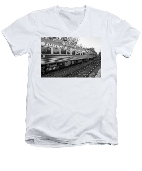 Men's V-Neck T-Shirt featuring the photograph Pennsylvania Reading Seashore Lines Train by Terry DeLuco