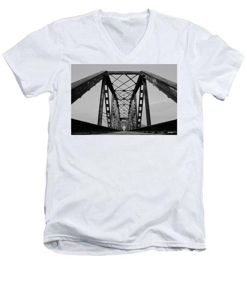 Pennsylvania Steel Co. Railroad Bridge Men's V-Neck T-Shirt