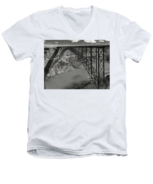 Perrine Bridge, Twin Falls, Idaho Men's V-Neck T-Shirt