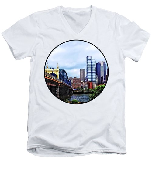 Pittsburgh Pa - Pittsburgh Skyline By Smithfield Street Bridge Men's V-Neck T-Shirt