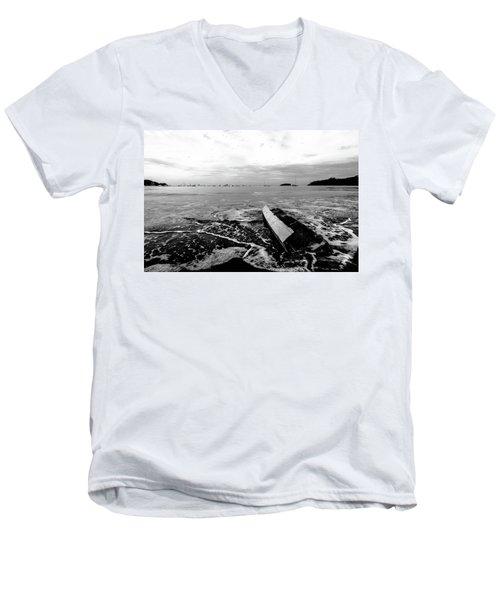 Play De Noire Men's V-Neck T-Shirt
