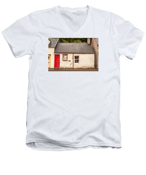 Plockton Cottage Men's V-Neck T-Shirt